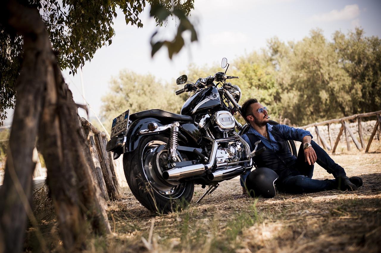 A menos ruedas más coberturas en su seguro de moto